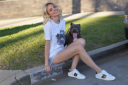 Ruby Rocksta - Gucci Sneakers, One Teaspoon Denim Shorts, Chickdriven Tshirt - Show No Murci