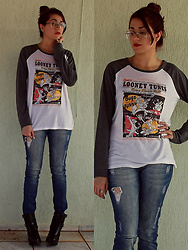 Geise C. - Bottero Boots, Looney Tunes Shirt - Looney Tunes