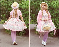 Saija Sasetar - H&M Straw Hat Decorated By Me, Angelic Pretty Pink Lolita Blouse, Offbrand Pink Shoulder Scarf, Handmade By Me Tiered Flower Lolita Jumperskirt, Liz Lisa Ribbon Basket Handbag, Vogue Pastel Purple Tights, H&M White Lace Oxford Shoes - ✿ Summer pastels ✿