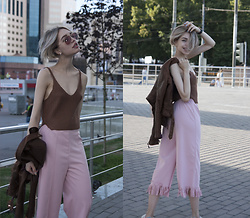 Septembrenell Rain - Rosewholesale Crop Top, Ray Ban Glasses, Rosewholesale Pants - Rosewholesale