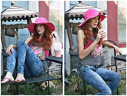 Rose Pendleton - Scala Floppy Hat, Venice Beach Boardwalk Cali Tank Top, Arizona Skinny Jeans, Falla's Pink Flip Flops - Summer Days