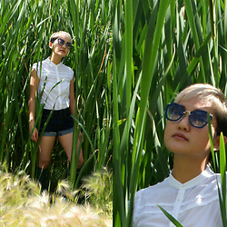 Raiza Vasquez - H&M Top, American Eagle Outfitters Denim Shorts, Miu Sunglasses - Pokemon Go to Literal Heights