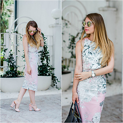 Julie P - Zerouv Sunglasses, Faith Sandals - The bodycon dress