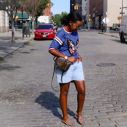 Liz Lizo - Alexander Wang Shoes, Levi's® Shorts, Gucci Top, Louis Vuitton Backpack - Float like a Gucci butterfly