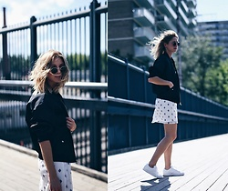 Jillian Lansky - Express Black Bomber Jacket, Express Printed Sumer Dress, Adidas White Stan Smith Sneakers - What to wear to a music festival