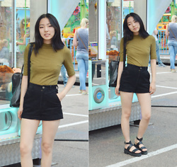 Yonish - Monki Striped Shirt, Cleo And Pateh Black Backpack, Gm Black High Waisted Shorts, Boohoo Black Cleated Platform Sandals - Carnival day