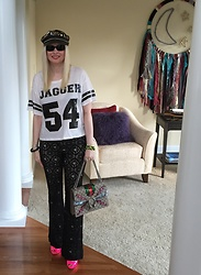 Shannon D - Vintage Leather Hat, Gucci Bag, Prada Heels, Tom Binns Bracelet, Chanel Bracelet, Lovers + Friends Tee, Oliver Peoples Sunglasses - Style Team Bianca Jagger