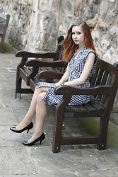 Rebecca Salter - Dorothy Perkins Gingham Dress, Sekonda Watch, Debenhams Black Heels, H&M Nude Tights - Gingham