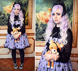 Tori - Angelic Pretty Holy Lantern, Angelic Pretty Holy Lantern Tights, Angelic Pretty Sweetie Lady Cutsew, Angelic Pretty Glass Doll Hairbow, Angelic Pretty Horror Coffin Necklace, Lockshop Wigs Cascade Lilac Fade, Party Glitter Shoes - Diabolik Project: Kanato