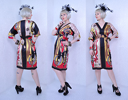 Suzi West - Holly Gordon's Pro Wardrobe Fascinator Hat, Rocket Studio Art Abstract Earrings, Holly Gordon's Pro Wardrobe Bracelets, You Are So Beautiful Abstract Print Silk Dress, Chinese Laundry Kopin Heel - 01 August 2016