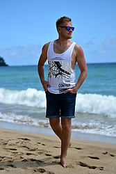 Marcin Wysocki - Zara Tanktop, Pull & Bear Blue Shorts - Summer look