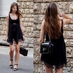 Jacky -  - All black summer outfit
