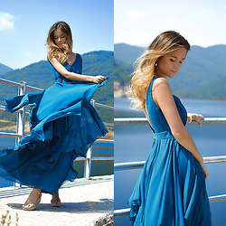 Tamara Bellis - Sammydress Maxi Dress, Migato Platform Sandals - Blue waves