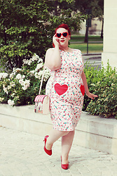 Audrey G. - Lindy Bop Pencil Dress, Tamaris Red Heels, Red Hearts Sunglasses, Vendula London Chocolatier Bag - Pin-up