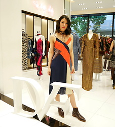 B @Style Voyage - Diane Von Furstenberg Colorblock Slip Dress, Bow Choker, Zara Burgundy Boots - Colorblock Slip Dress