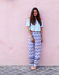 Denise * - Bershka Off Shoulder Top, New Yorker Printed Pants - Sirmione, lago di Garda
