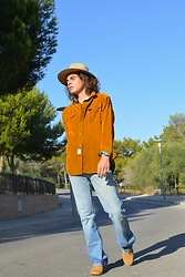 Enea Nastri - Zara Original Denim Shirt, Massimo Dutti Bohemian Hat, Pull & Bear Tapered Jeans, Clarks Safaris - 1975