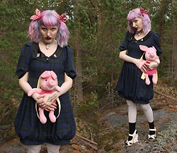 Lindwormmm - Diy Piglet Backpack, Thrifted Vintage Dress, Gingham Bows, Diy Moomin Necklace, Irregular Choice Cat Heels, White Tights, Manga Brooch - Suspicious Doll Act