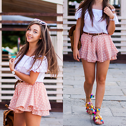 Gabriela Grębska - Sheinside Shorts, Cluse Watch, Chicwish Backpack, Deezee Sandals, Dorothy Perkins Blouse - Sandals with pom poms