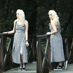 Cátia Gonçalves - Rosegal Dress, Vans Sneakers - I've got nothing, to gain, to lose