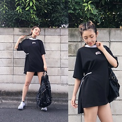 Chiemi Ito - Onespo Top, Adidas Shoes, Unif Bag, Zoff Glasses - Comfy