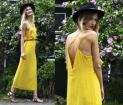 Eva Velt - Sammydress Dress, Sandals, Hat - SUnlight
