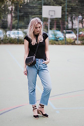 Marie J. - Levi's® Denim, Castañer Espadrilles, Sandro Bag, & Other Stories Black T Shirt - French like Jeanne