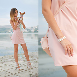 Tamara Bellis - New Yorker Pink Pastel Bag, Simmi Lace Up Block Heels In Nude Color - Greek Party Look