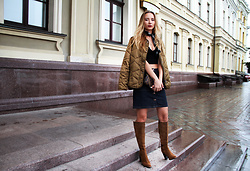 Anna Gotsyk - Zara Boots, Marks & Spencer Skirt, Marks & Spencer Jacket, Louis Vuitton Bag, Marks & Spencer Top, Marks & Spencer Bandana - JOUR DE PLUIE