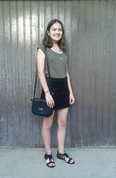 Karolina - Sinsay Top, Sinsay Skirt, Ccc Shoes - Sunshine