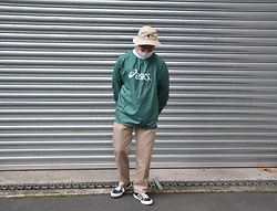 Miguel Valero - Polo Ralph Lauren Bucket, Asics Nylon L/S, Uniqlo Pant, Converse Star And Bars - Asics