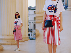 Andreea Birsan - Tshirt, Furla Crossbody Bag, Striped Midi Skirt, Pom Pom, Red Sunglasses, White Sneakers, Chocker - Striped midi skirt & white sneakers: Heat wave survival kit