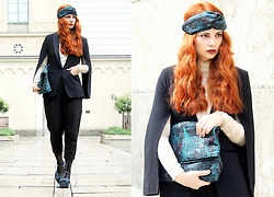 Katharina K. - H&M Cape Blazer, &Otherstories Turban - How to wear a turban