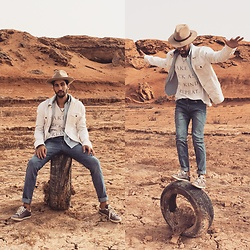 HAMID KHOUYI - Dr. Denim Snap Light Stone, Levi's® White - Dr.Denim