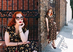 Roberta D. - Vivien Of Holloway 1940´S Inspired Dress, Snooper´S Paradise Sunglasses, New Look Heels - Once upon a dream