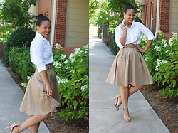 Johnnalynn Lynch -  - Classic Work Attire
