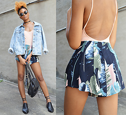 Alicia Nicholls - Tobi Palm Life Pleated Shorts - Wishing I Was on a Tropical island