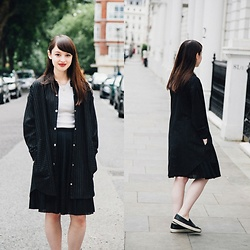 Annabelle M - Hk Jacket, Primark T Shirt, Uniqlo Skirt, Topshop Shoes - Just Right