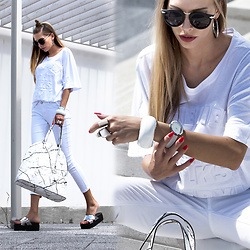 Dora D. - Zerouv Black Round Sunglasses, White Skinny Jeans, Marble Print Tote Bag, Silver Cross Strap Falt Sandals - As White as Marble