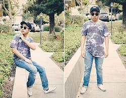 Brian R. - H&M White Low Top Sneaker, Levi's® Ripped Denim Jeans, Volcom Gray Tie Dye Shirt, Speedy Pros Pug Hat - Pug&chill