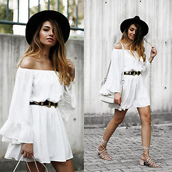 Melike Gül - Sheinside Dress, Mango Heels, Mango Bag - LWD
