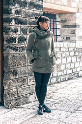 Lea P - Only Light Parka, Faux Leather Leggings, Adidas Sneakers - Sarajlija for a day