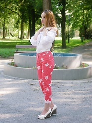 Jasmina Dimitri - Yokoo White Boho Blouse, Pink Jeans With Stars, White Shoes - Stardust