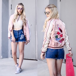 Franziska Elea - Sassyclassy Shorts, Forever 21 Cropped Top, Review Bomber Jacket, Adidas Sneakers, Penny Skateboard - Favorite Bomber & Penny Board