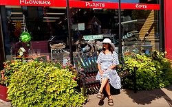 Jeanny Valjean - Old Navy Blue And White Maternity Dress, Cartago Brown Leather Sandals - Sunshine and baby bump