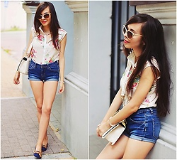 Ania W. - Sheinside Shirt, Forever 21 Bag - Floral shirt and blue shorts