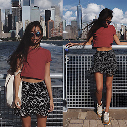 Aliya A - Somemoment Skirt, Tijn Sunglasses - Paulus Hook and Pier 11 / Wall St.