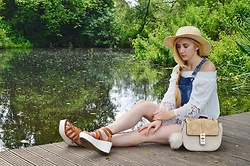Isobel Thomas - Hidden Fashion Flatforms, Ark Clothing Chloe Dupe Bag, Boutique Of Molly Lace Bell Sleeve Top, Primark Denim Dungarees, Primark Straw Hat - Country Girl