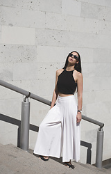 Toma Muznikaitė - H&M Black Crop Top, Zara White Culottes, Vintage Sunglasses, Daniel Wellington Watch - The city is my date