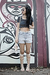 M U T Z I I - Schuhtempel24 Gladiator Sandals, Bershka Crop Top - Separate yourself from those who hinder your vision